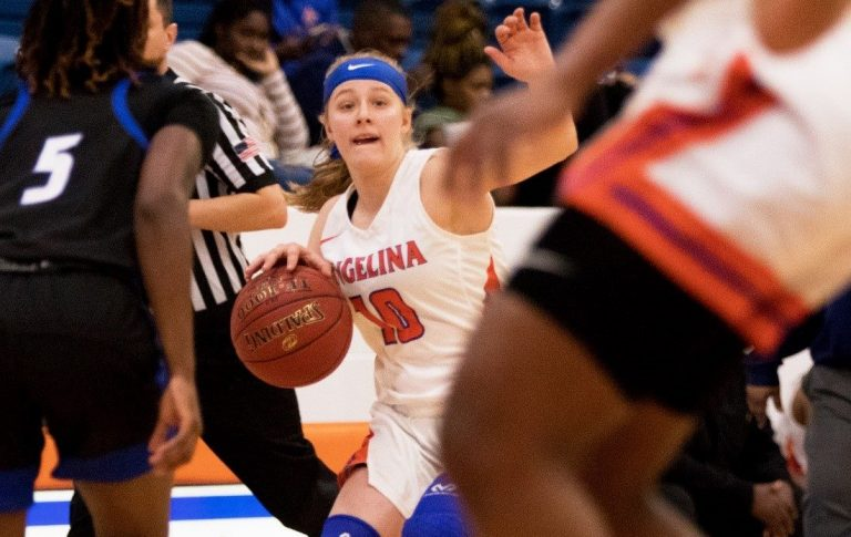 Lady Roadrunners Hosting No. 10 Tyler on Wednesday; AC Jockeying for Position in Crowded Conference Standings